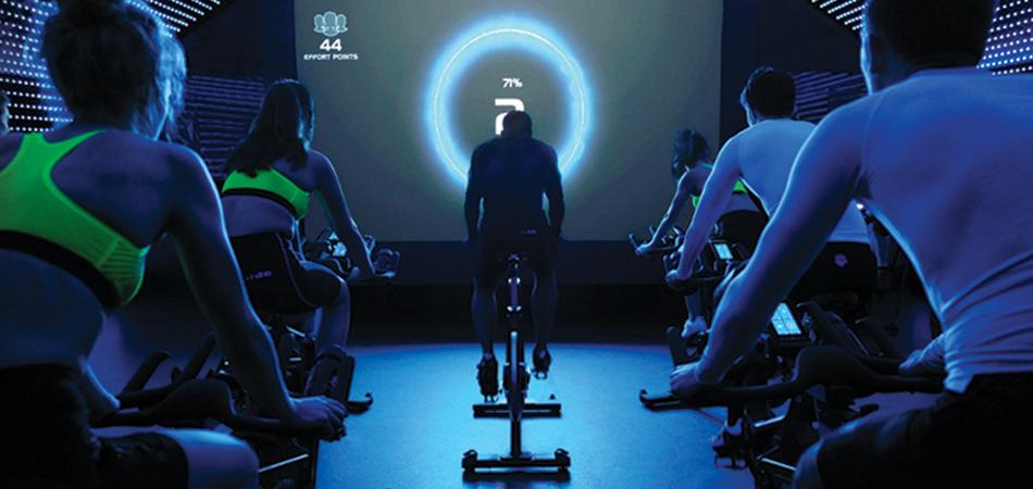 Antrenamentele de spinning/indoor cycling ingroasa picioarele? autor Ruxandra Bunea