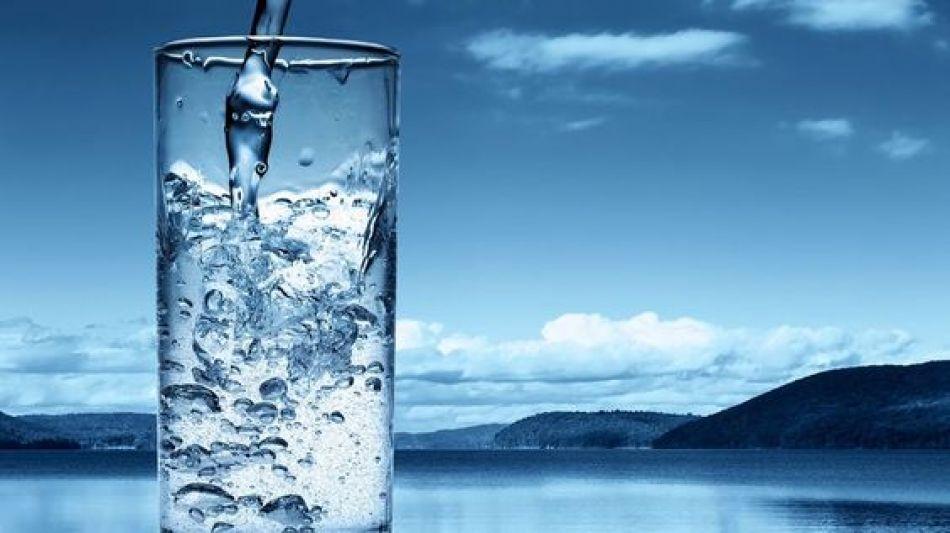 10 avantaje uimitoare ale hidratarii de dimineata, autor Radu Buculea